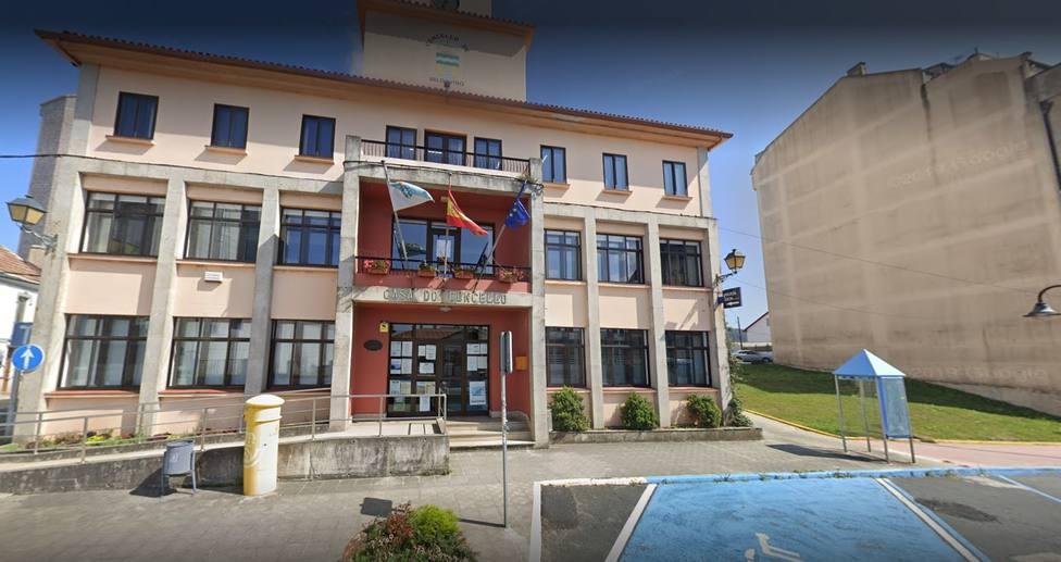 Fachada principal del Ayuntamiento de Valdoviño