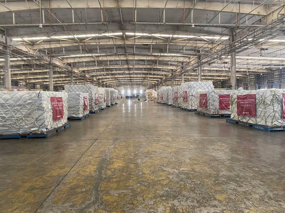 Material sanitario procedente de China en los almacenes de Inditex