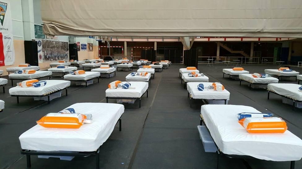 El Ayuntamiento de Badalona ha habilitado el pabellón de Casagemes como alojamiento para personas sin hogar
