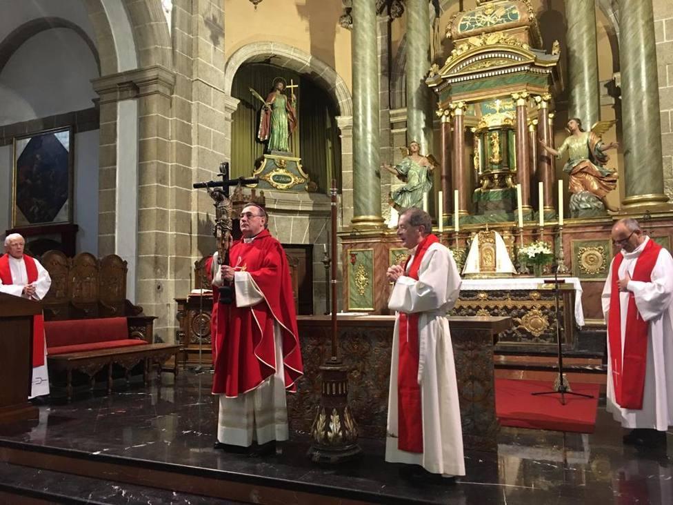 Monseñor Luis Ángel de las Heras presidió la homilía del Viernes Santo a puerta cerrada