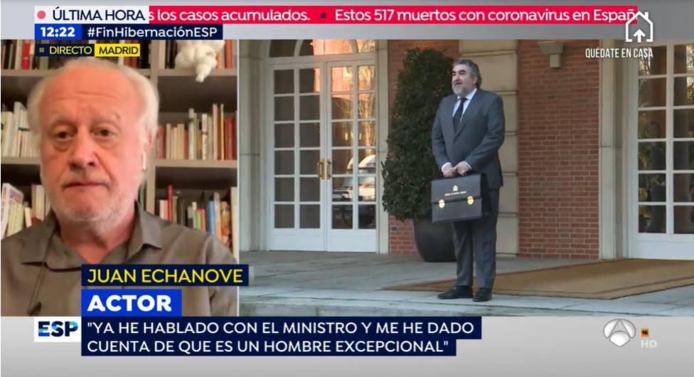 El sospechoso cambio de Juan Echanove después de sus críticas al ministro Uribes: Es un hombre excepcional