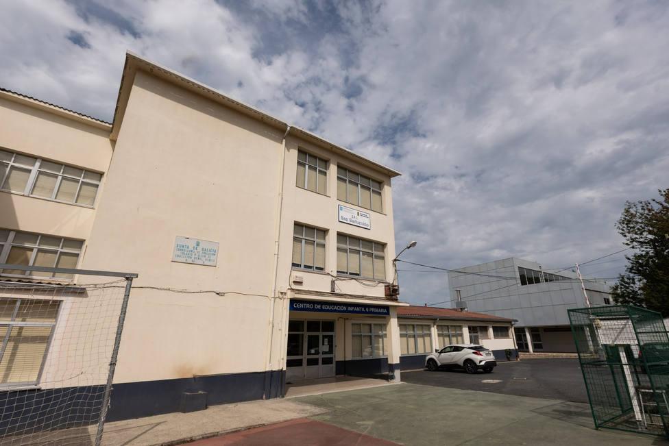 Fachada del CPI de San Sandurniño - FOTO: César Galdo