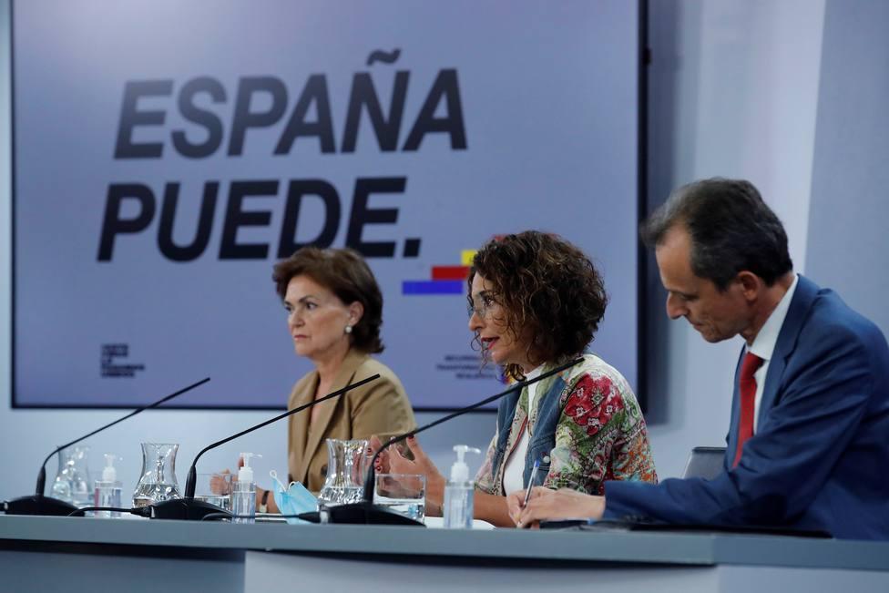 El Gobierno cree que la fusión Bankia-Caixabank reforzará el sistema bancario nacional