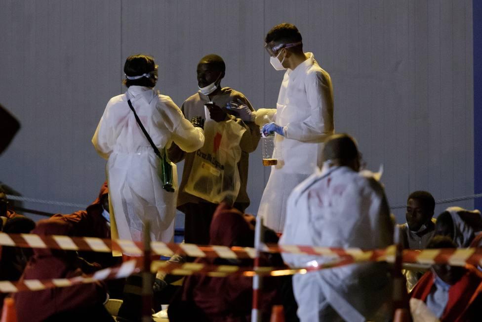 Canarias suma 143 llegadas de inmigrantes este domingo