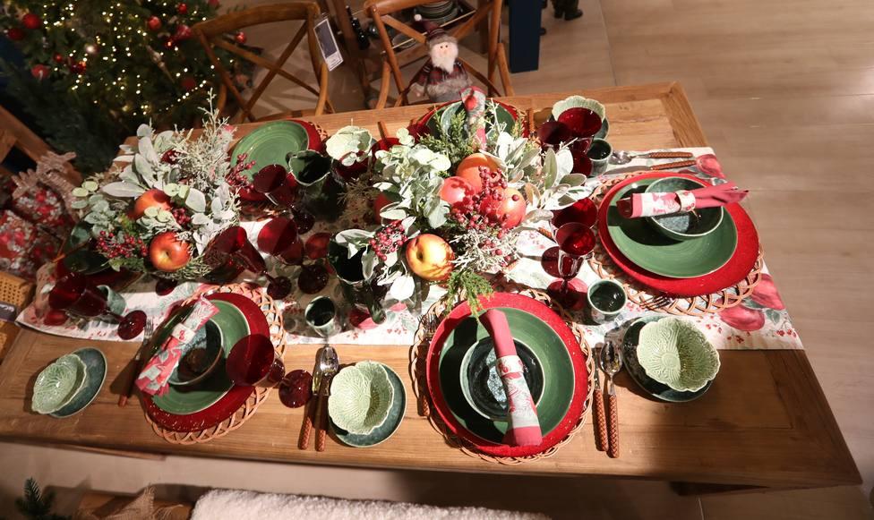 El plan alternativo de Ayuso para Navidad: cenas de hasta diez personas y toque de queda a la 1.30