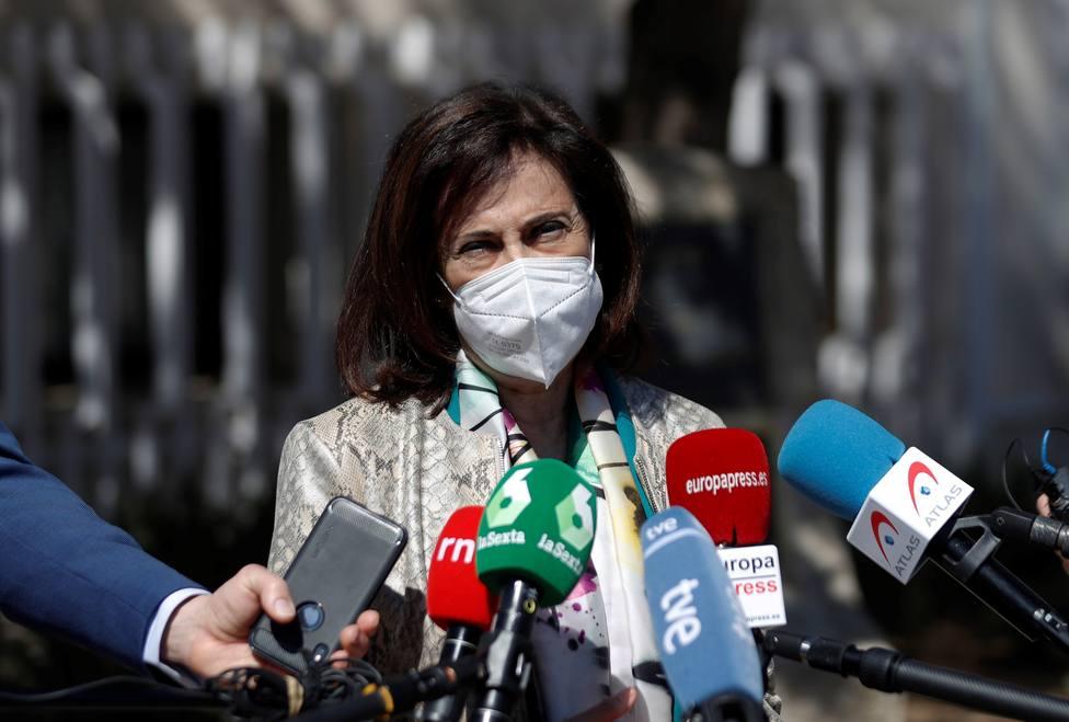 Robles dice que 50.000 militares ya se han vacunado con la primera dosis y 5.000 cuentan con la pauta completa