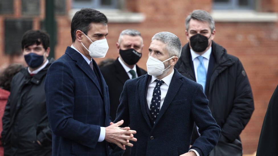 Marlaska reitera que no dimitirá por el cese de Pérez de los Cobos y Sánchez sale en defensa de sus ministros