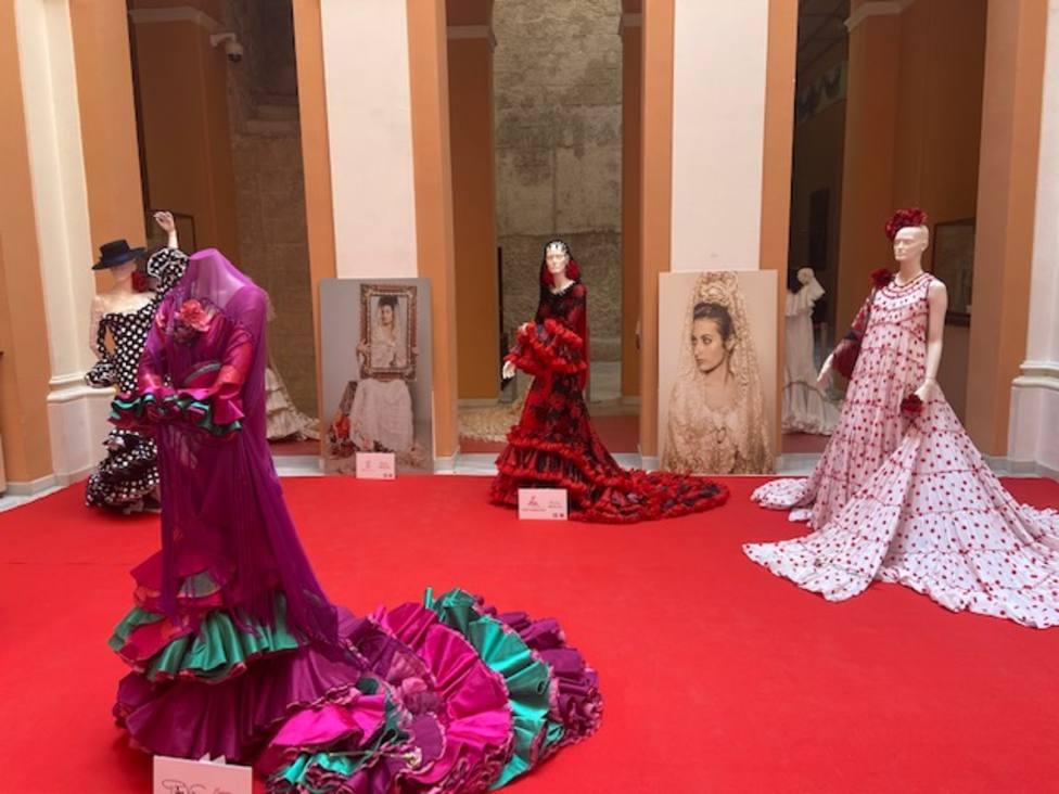 ctv-x6e-el-ayuntamiento-de-sevilla-acoge-una-exposicin-sobre-la-evolucin--del-traje-de-flamenca
