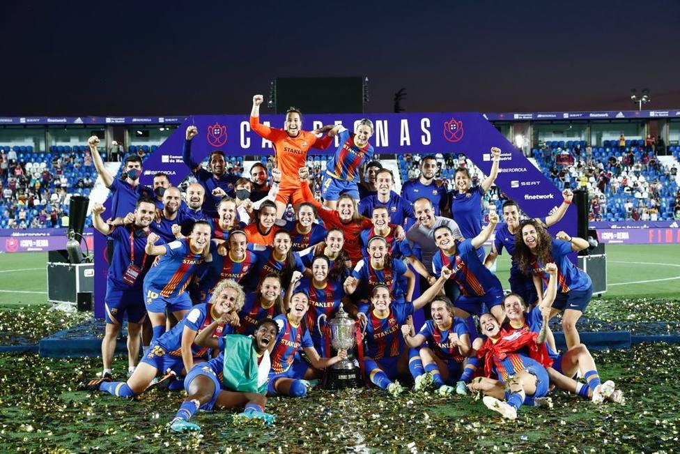 El Barça femenino levanta el título de la Copa de la Reina (RFEF)