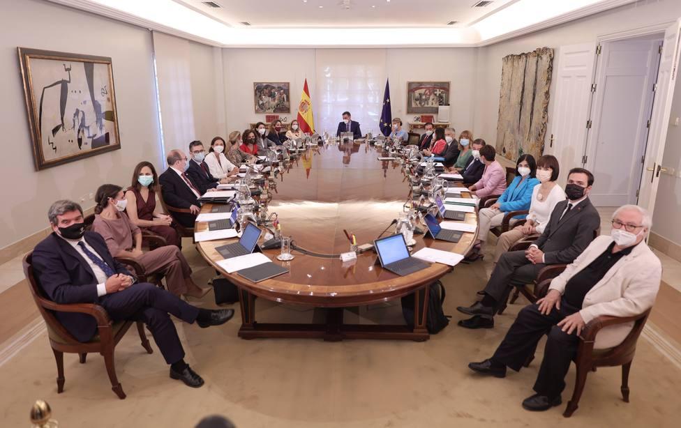 Los nuevos ministros informarán de las líneas generales de sus carteras y solicitan comparecer en el Congreso