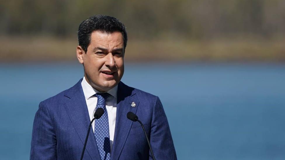 Moreno traslada a Vox que no se puede limitar el cambio histórico en Andalucía
