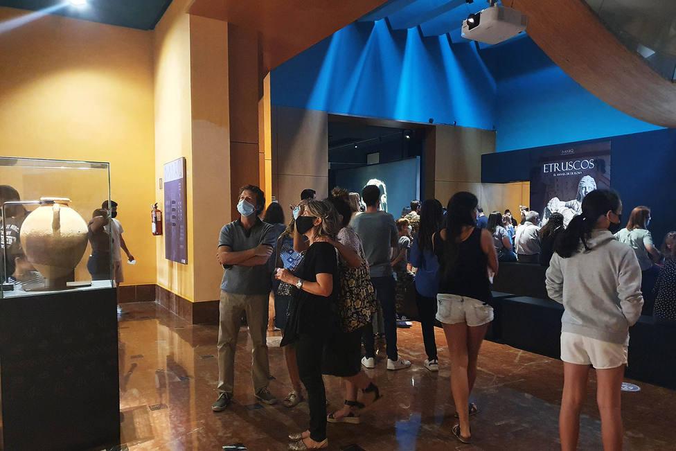 El MARQ recupera las cifras anteriores a la pandemia con más de dos mil visitantes a la exposición Etruscos