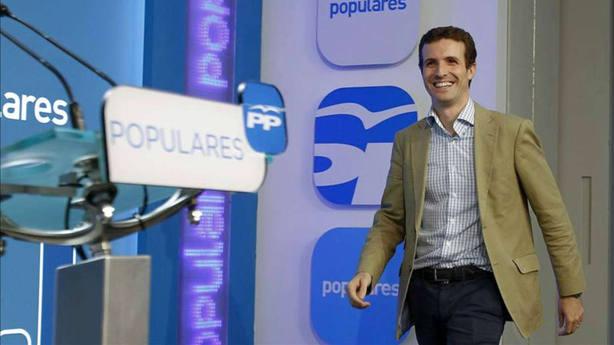 """El PP """"protege"""" a Casado del desgaste, pero el número tres gana enteros como candidato"""