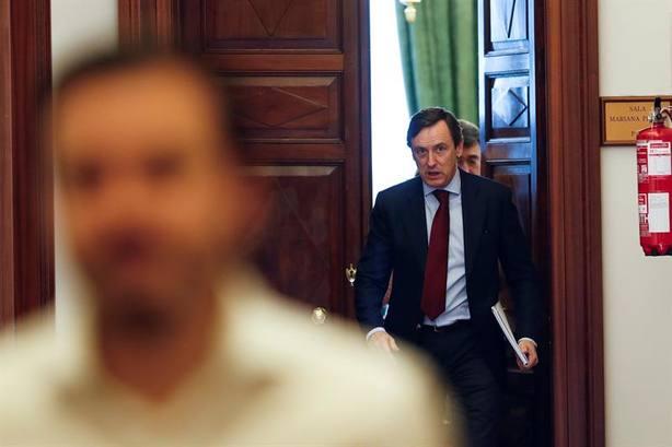 Hernando pide a Sánchez no usar con fines propagandísticos a los inmigrantes del Aquarius