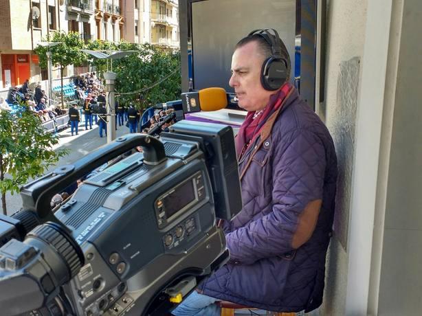 Antonio Robles retransmitiendo desde Carrera Oficial