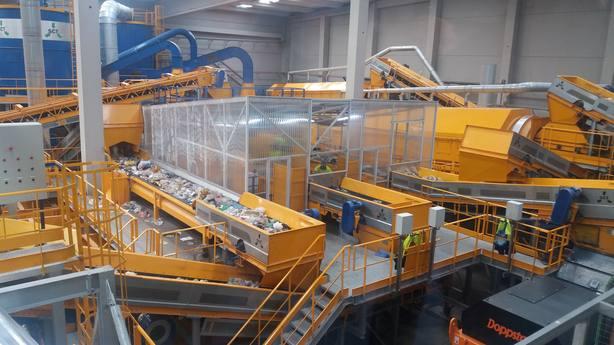 La economía española generó 129,0 millones de toneladas de residuos en 2016, un 0,1% menos que en 2015, según el INE