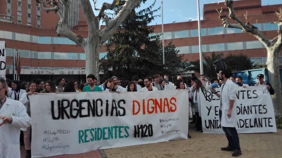 Sanidad pagará 600 euros a AMYTS por el incremento de guardias durante la huelga de MIRs en el 12 de Octubre
