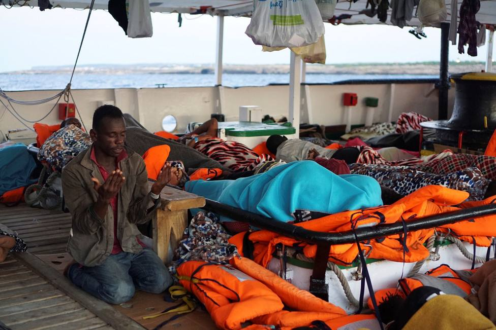 El Open Arms se resiste a viajar hasta Baleares: Los inmigrantes están agotados