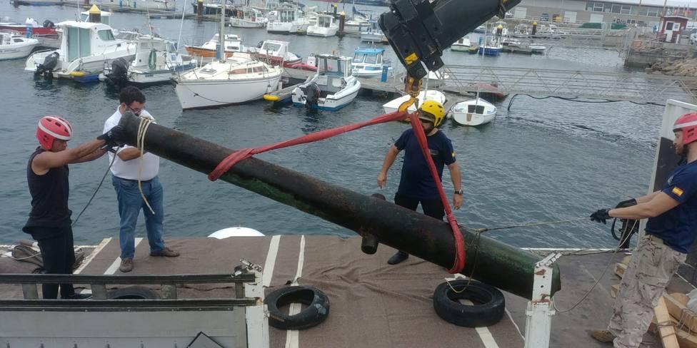 Uno de los cañones recuperados en la zona de A Costa da Morte - FOTO: Armada