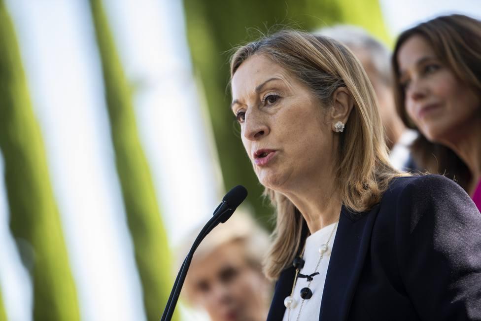 Ana Pastor pide a Sánchez no minimizar la crisis en Cataluña y se declara avergonzada por las palabras de Calvo
