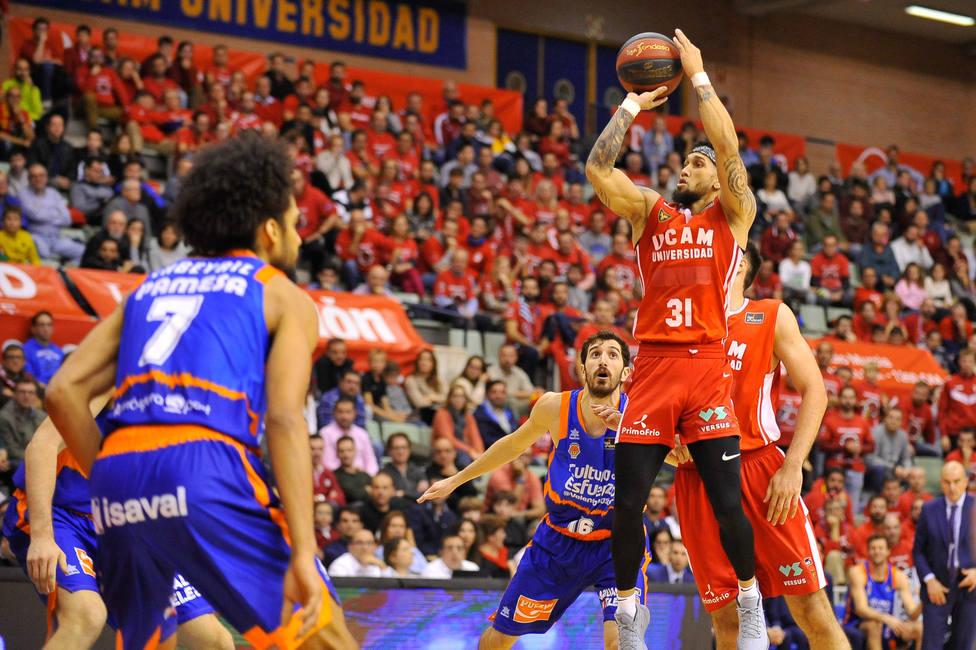 Nueva victoria agónica de un gran UCAM Murcia CB ante Valencia Básket (97-95)