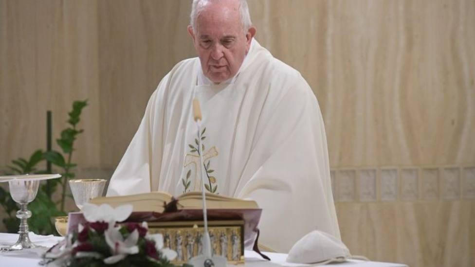 """Homilía del Papa en Santa Marta: """"Hoy la Iglesia elogia la pequeñez"""""""