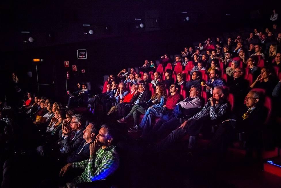 Madrid, Barcelona y Guadalajara repiten como las ciudades más caras para ir al cine en fin de semana, según Facua