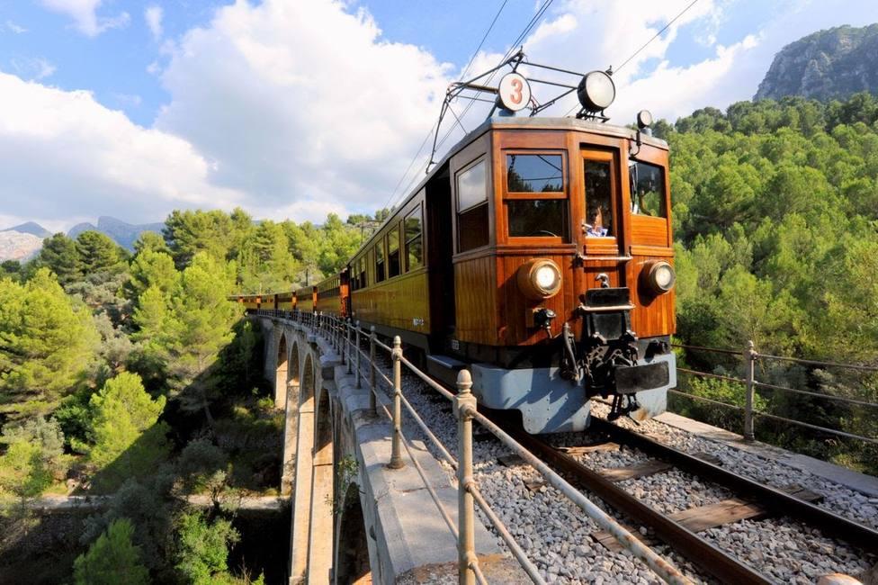 El ferrocarril de Sóller cierra dos meses por obras de mantenimiento y mejora
