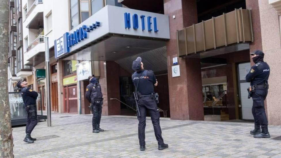 Hallan muerta una niña en un hotel de Logroño y su madre intenta suicidarse