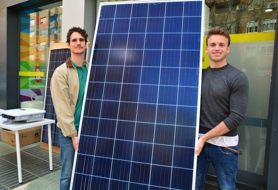 Egresados de la UPCT realizan la primera instalación fotovoltaica de autoconsumo comunitario en Cartagena