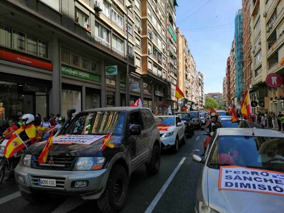 Más de un millar de turismos colapsan el centro de Murcia en la propuesta organizada por Vox