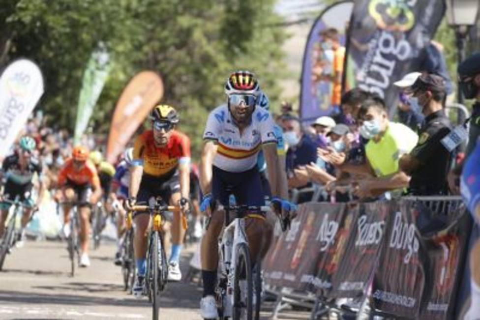 Alejandro Valverde vuelve a la competición con un tercer puesto en la primera etapa