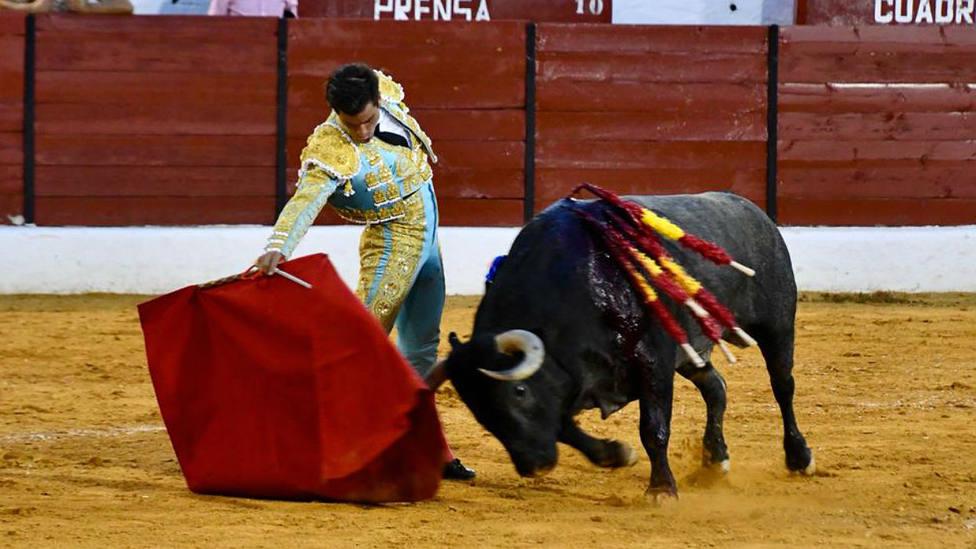 Rubén Pinar en la faena a Muralista, el toro de Victorino Martín indultado