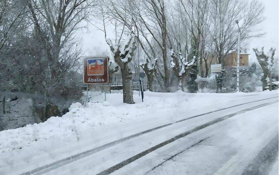 El tiempo en La Rioja: Amanece bajo una manta de hielo a la espera de la nieve