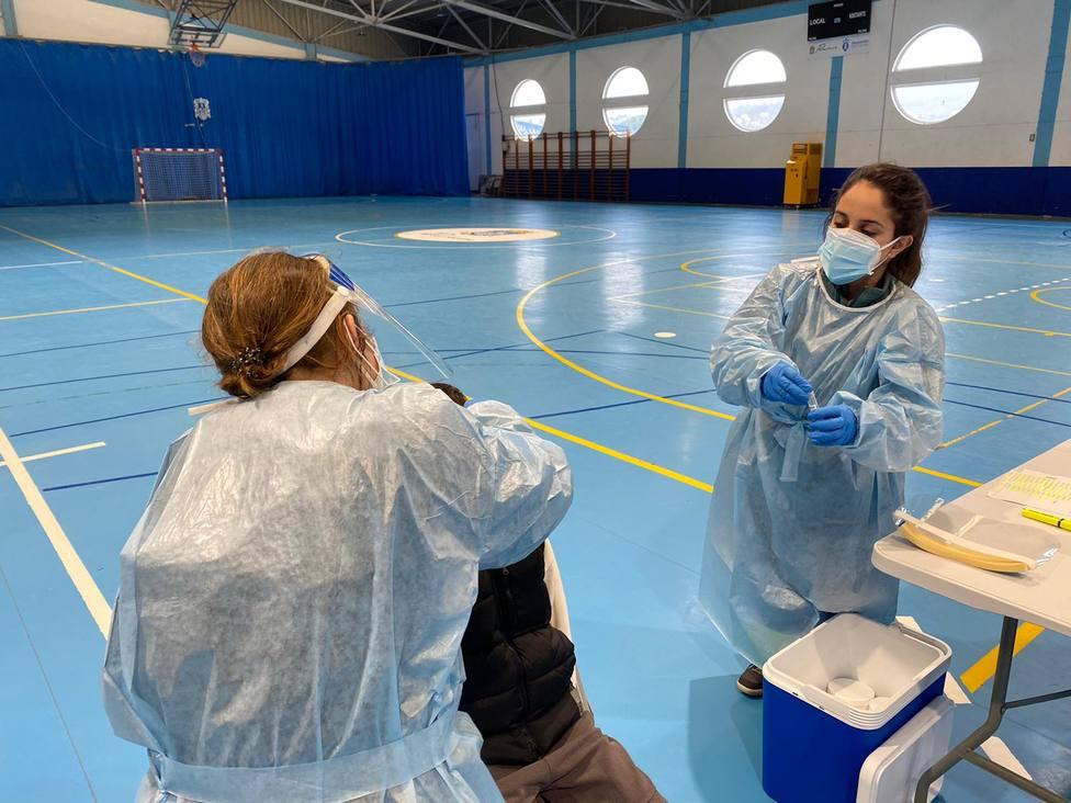 Pruebas PCR realizadas la pasada semana a escolares de Pontedeume - FOTO: Sergas