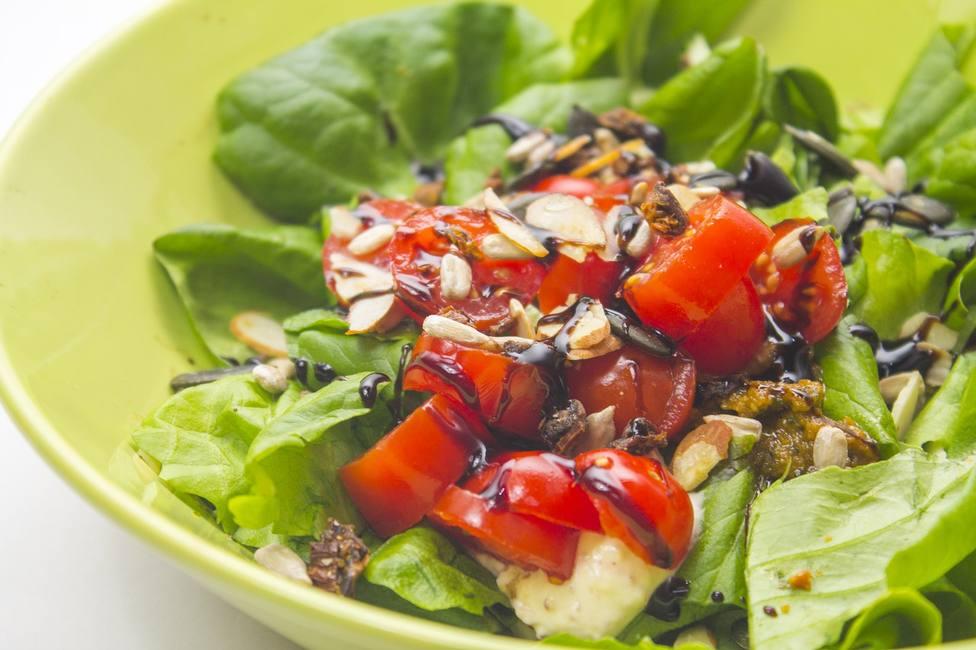 ctv-y5k-salad-4951179 1280