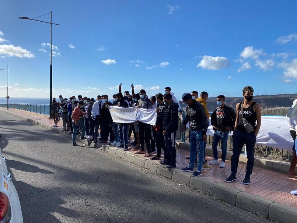 La Guardia Civil disuelve una manifestación de inmigrantes en Gran Canaria