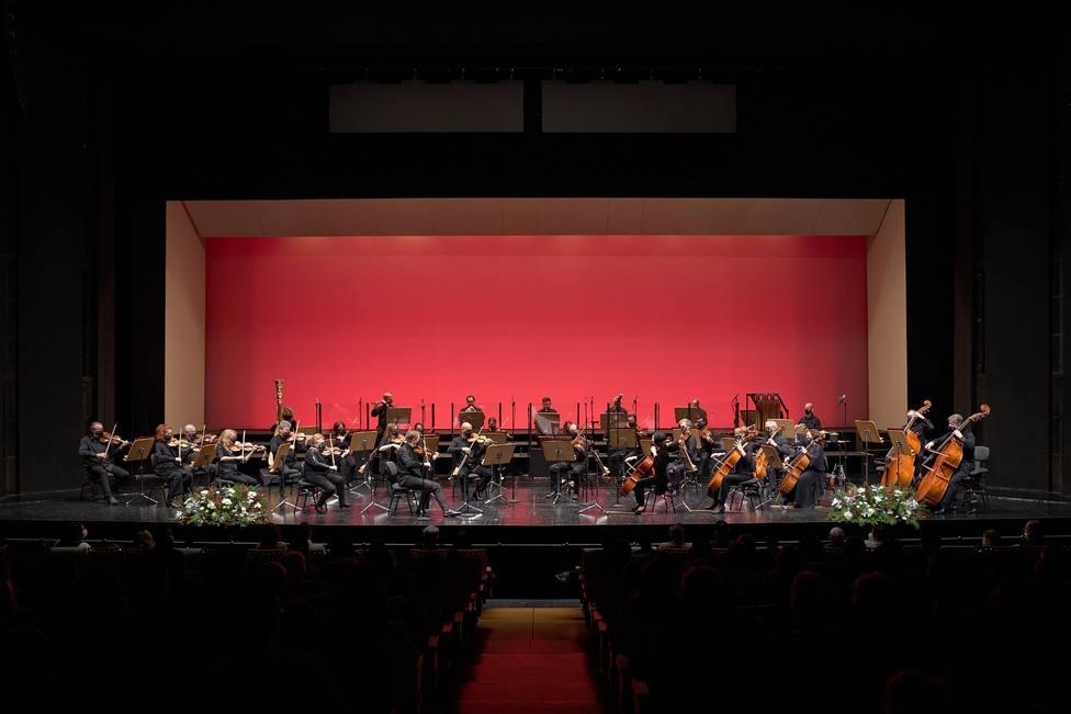 La ROSS y el Teatro de la Maestranza presentan en colaboración la película Semana Santa con marchas en directo