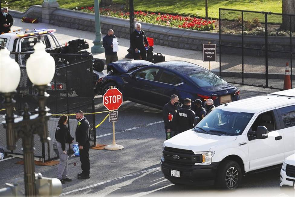 Fallece uno de los policías embestidos por el vehículo que chocó contra un puesto de control del Capitolio