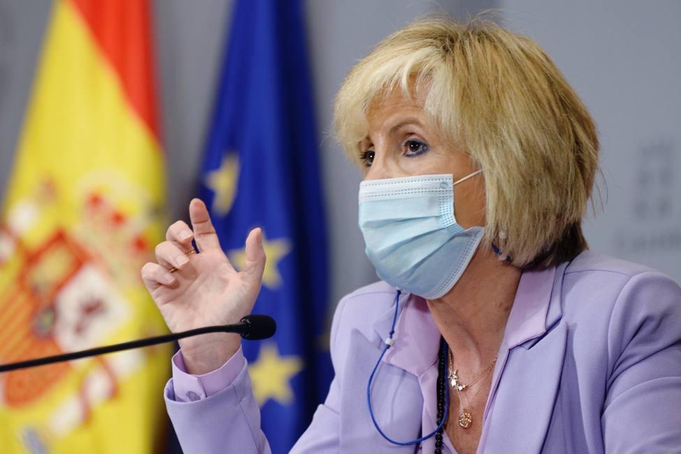 Calvo critica a Castilla y León por frenar la vacuna de Astrazeneca y la región dice que es su competencia