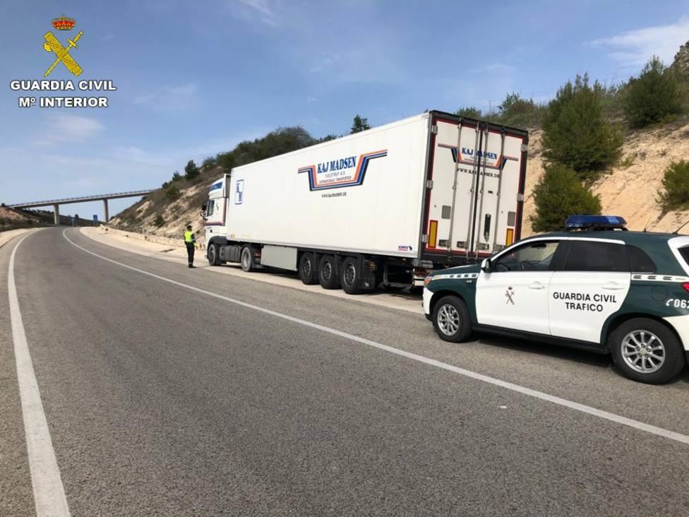 La Guardia Civil sorprende a un camionero en Alcoy que quintuplicaba la tasa de alcohol al volante