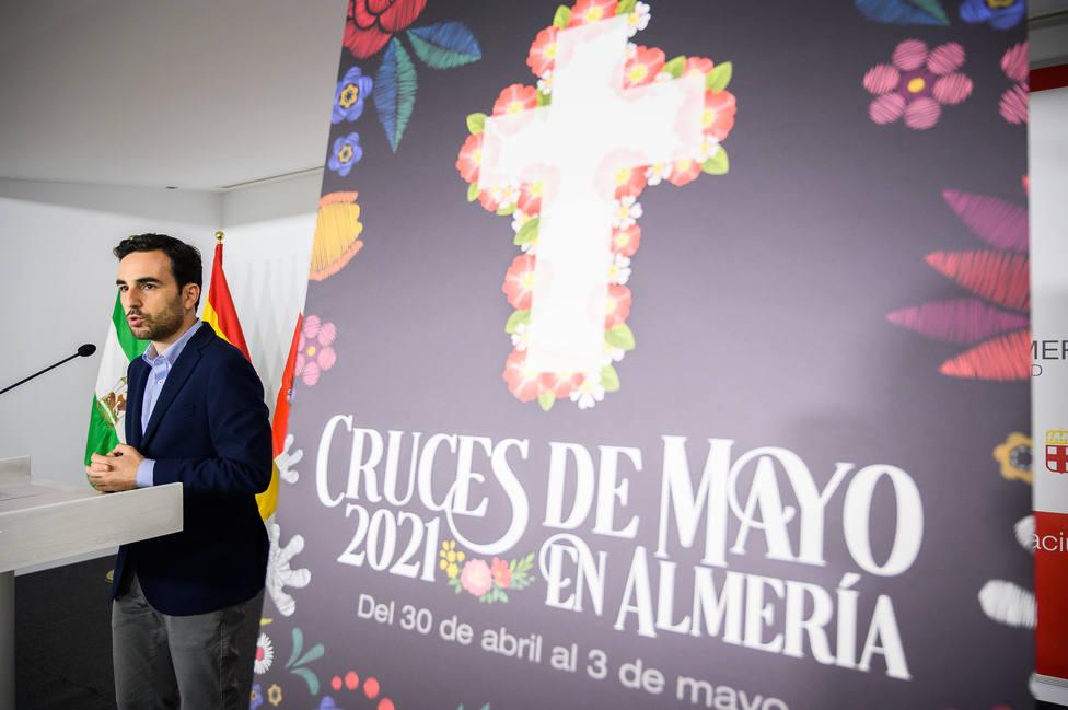 Las Cruces de Mayo darán color y alegría a Almería hasta el 3 de mayo