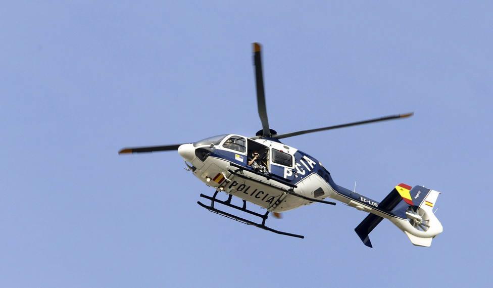 Foto de archivo de un helicóptero de la Policía Nacional - FOTO: EFE / Fernando Alvarado