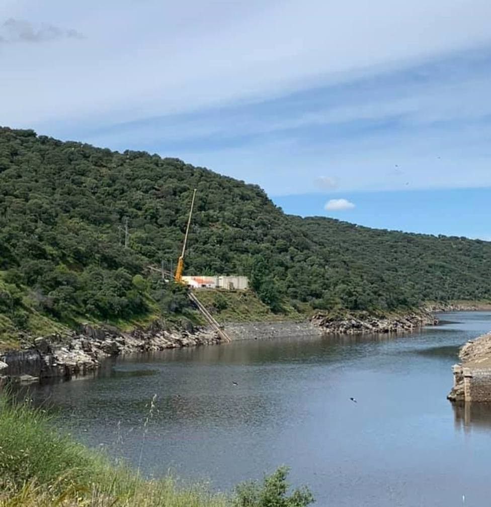 El alcalde de Cáceres asegura que el desembalse del pantano de Alcántara no afecta a la calidad del agua en la ciudad