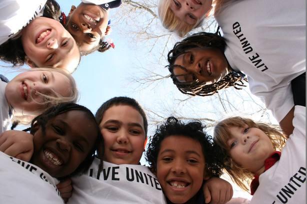 Asesorar a estudiantes en riesgo de exclusión y evitar el aislamiento escolar, ejes educativos de United Way España