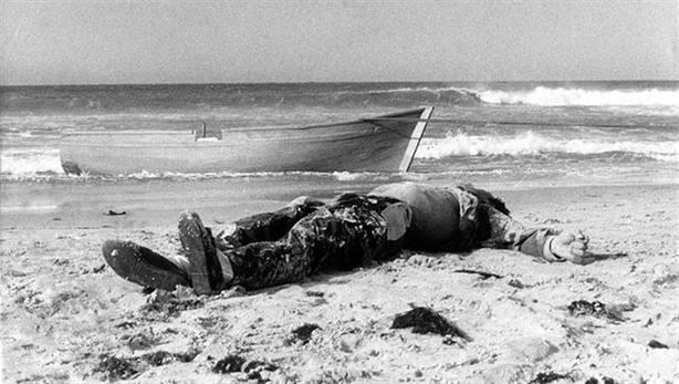 Se cumplen 30 años de la primera muerte documentada de un migrante en el Estrecho