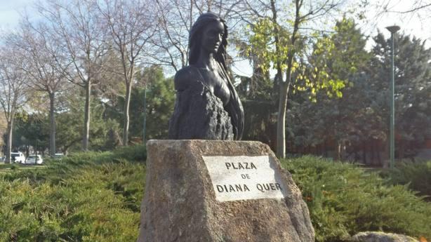 Pozuelo de Alarcón homenajea a Diana Quer con una plaza y un busto en su honor.
