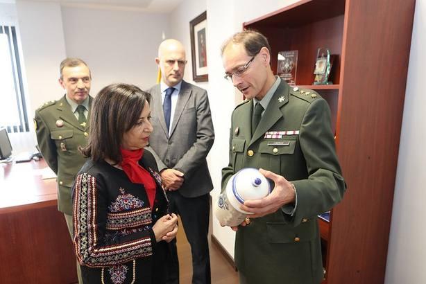 Robles visita a los militares españoles desplegados en Afganistán que participan en la misión de la OTAN
