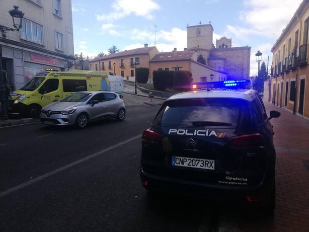 Policia en la Avenida de Madrid.