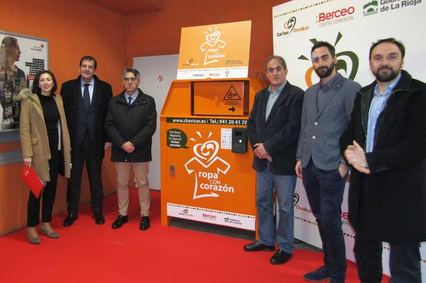 Gobierno y Fundación Cáritas-Chavicar lanzan 'Reto con Corazón' para incentivar el reciclaje textil